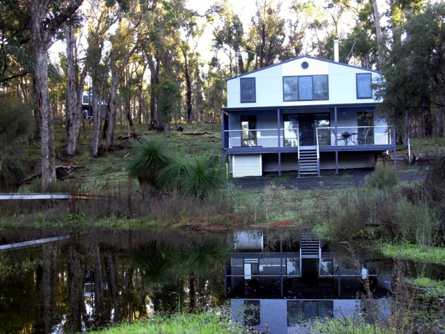 Hidden Grove Retreat - Carnarvon Accommodation