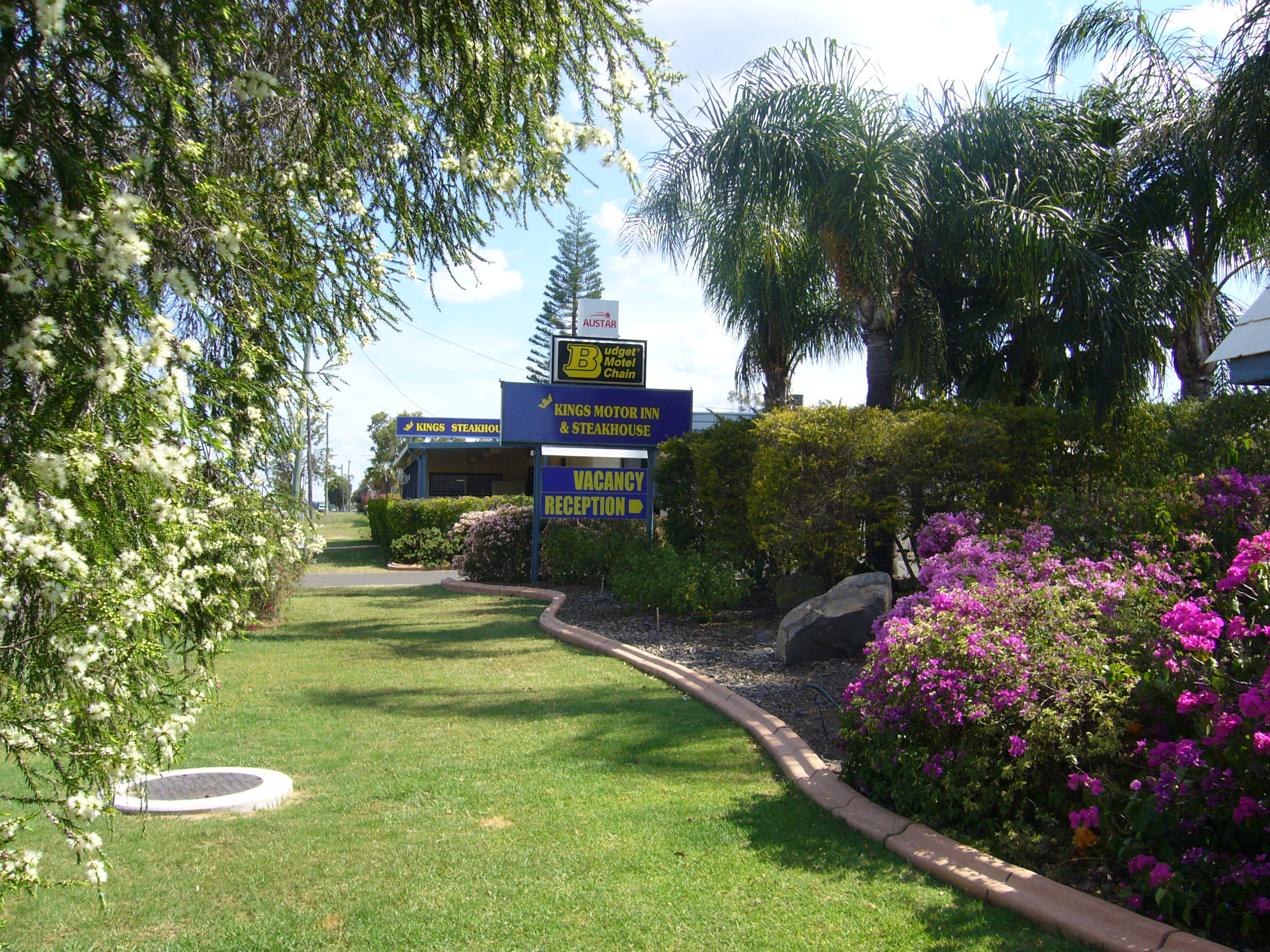 Kings Motor Inn  Steakhouse - Carnarvon Accommodation