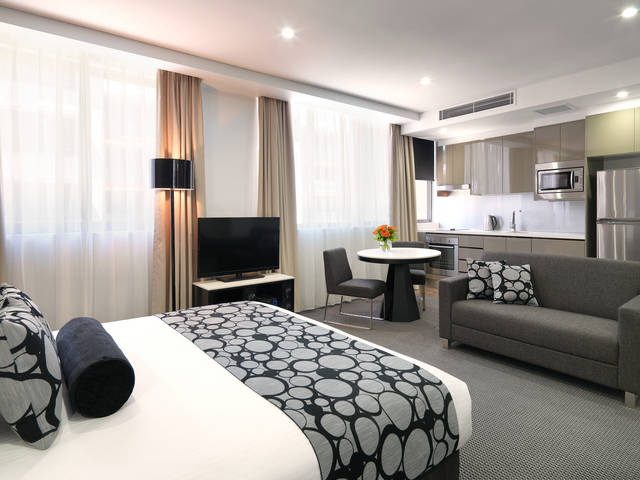 Meriton Serviced Apartments - North Ryde - Carnarvon Accommodation