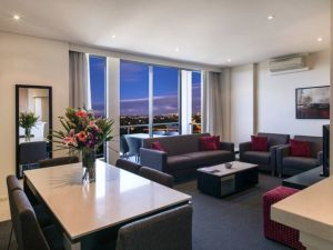 Meriton Serviced Apartments Parramatta - Carnarvon Accommodation