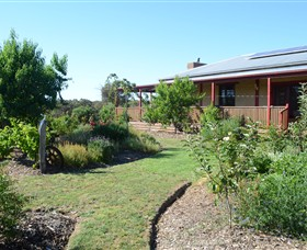 Mureybet Relaxed Country Accommodation - Carnarvon Accommodation