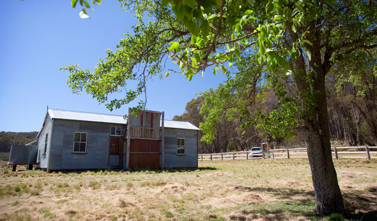 Brackens Cottage - Coolah - Carnarvon Accommodation