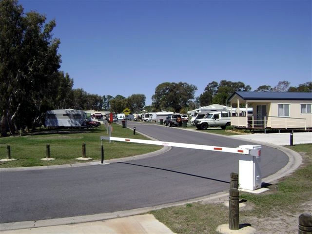 Toorbul Caravan Park - Carnarvon Accommodation