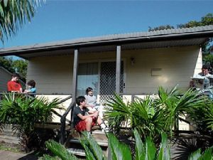 Canton Beach Waterfront Tourist Park - Carnarvon Accommodation