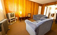 Snowy Mountains Motel - Adaminaby - Carnarvon Accommodation