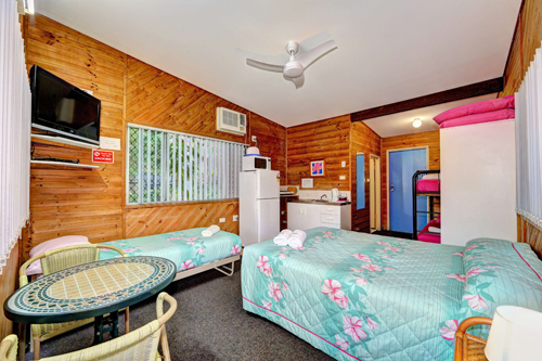 Bargara Gardens Motel and Holiday Villas - Carnarvon Accommodation