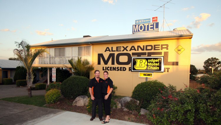 Alexander Motel - Carnarvon Accommodation