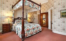 The Old George and Dragon Guesthouse - - Carnarvon Accommodation