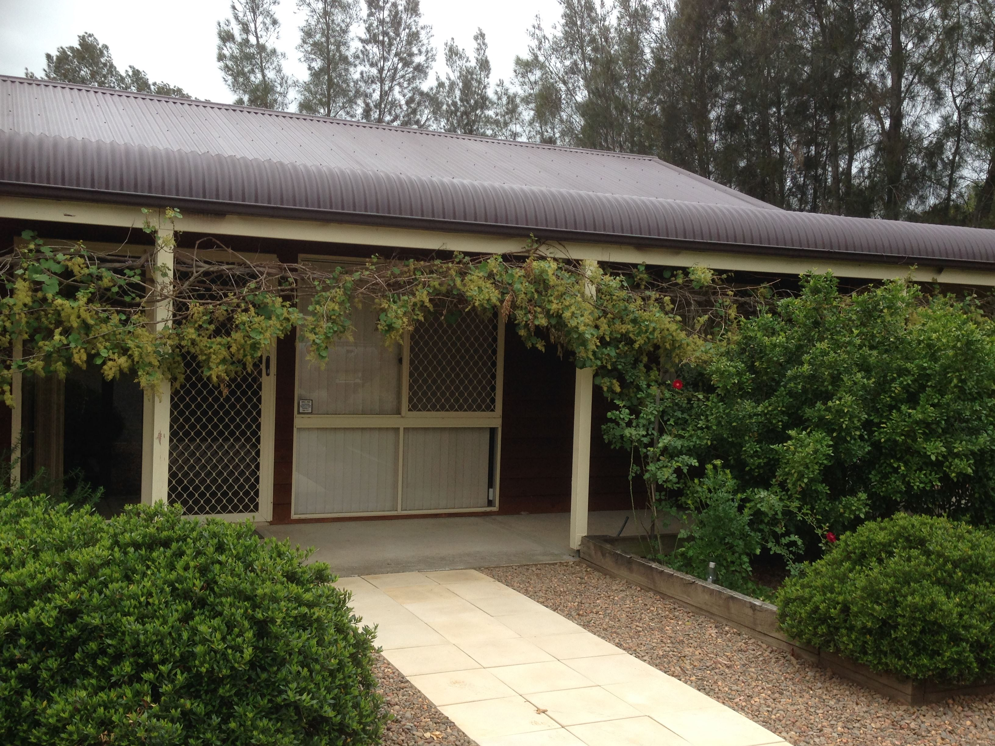 Mount Clunie Cabins - Carnarvon Accommodation