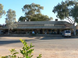 The Family Hotel - Carnarvon Accommodation