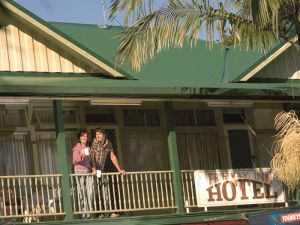 The Eltham Hotel  - Carnarvon Accommodation