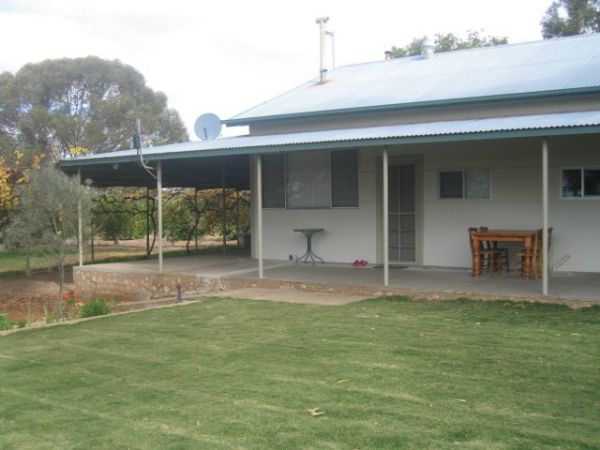 Gilgens Country River Retreat - Carnarvon Accommodation