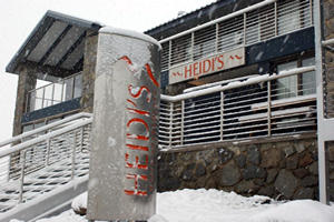 Heidi's Chalet Apartments - Carnarvon Accommodation