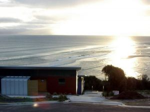 Freycinet Beach Apartments - Carnarvon Accommodation