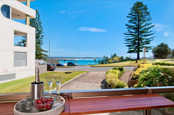 Beauty at the Beach - Carnarvon Accommodation
