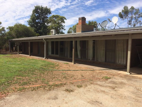 Coonara Farm Stay - Carnarvon Accommodation