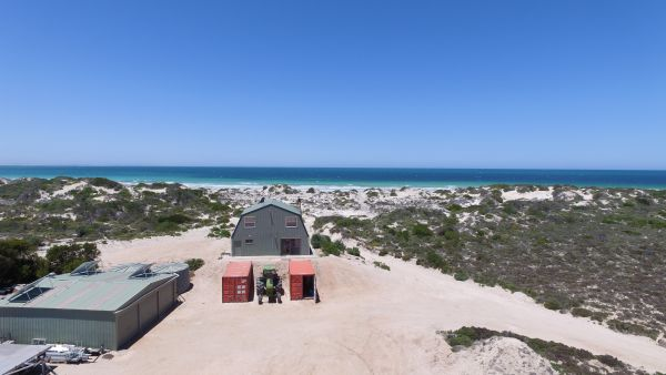Fowlers Bay Beach House - Carnarvon Accommodation