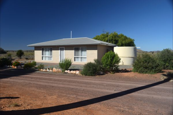 Hillview - Carnarvon Accommodation