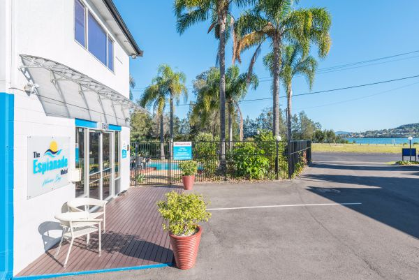 The Esplanade Motel - Carnarvon Accommodation