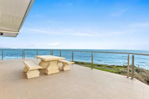 104 Gold Coast Drive Carrickalinga - Carnarvon Accommodation