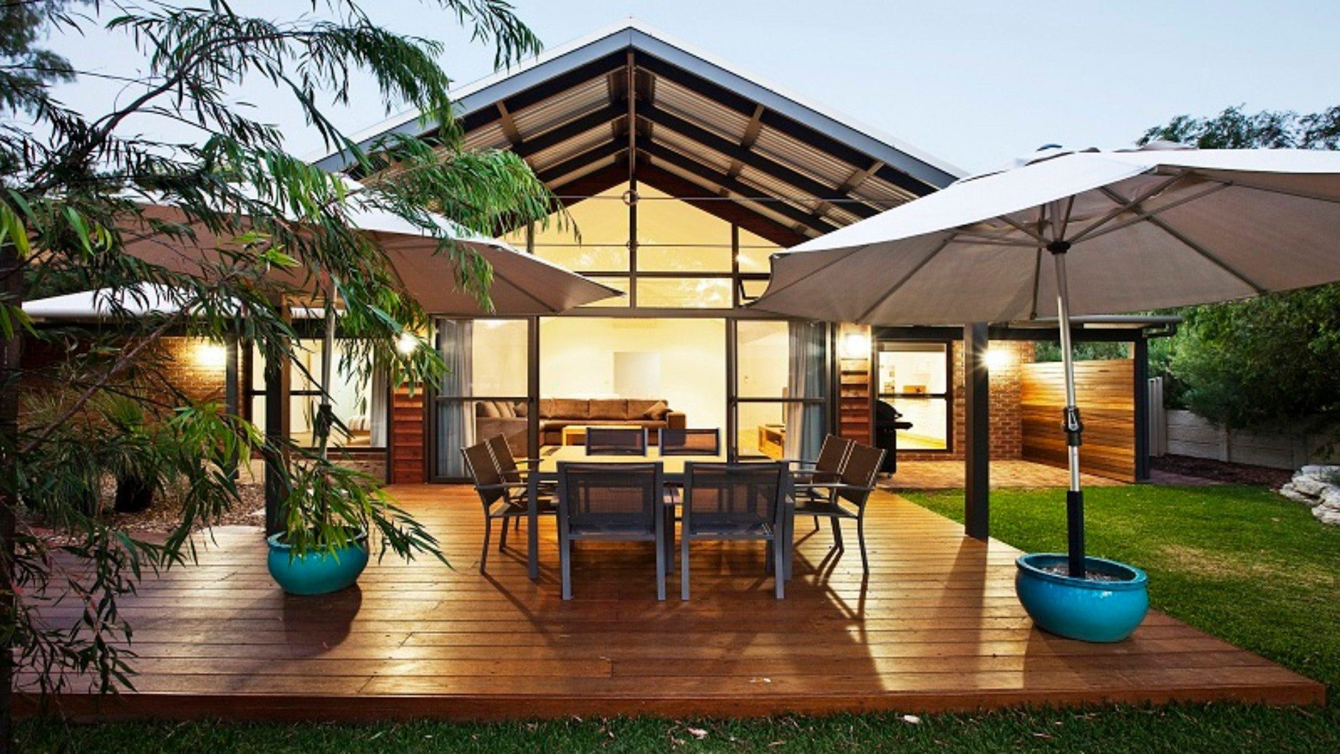 Beachcomber - Carnarvon Accommodation