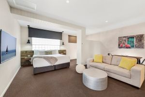 Moonlight Bay Apartments - Carnarvon Accommodation