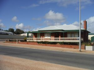 Sea Crest - Carnarvon Accommodation