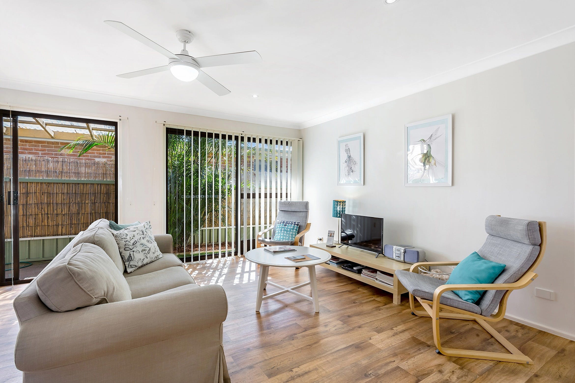 Shearwater at Shoal Bay Cottage One - Dogs Welcome - Carnarvon Accommodation