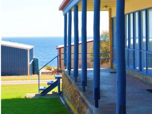 Island View Holiday Apartments - Carnarvon Accommodation