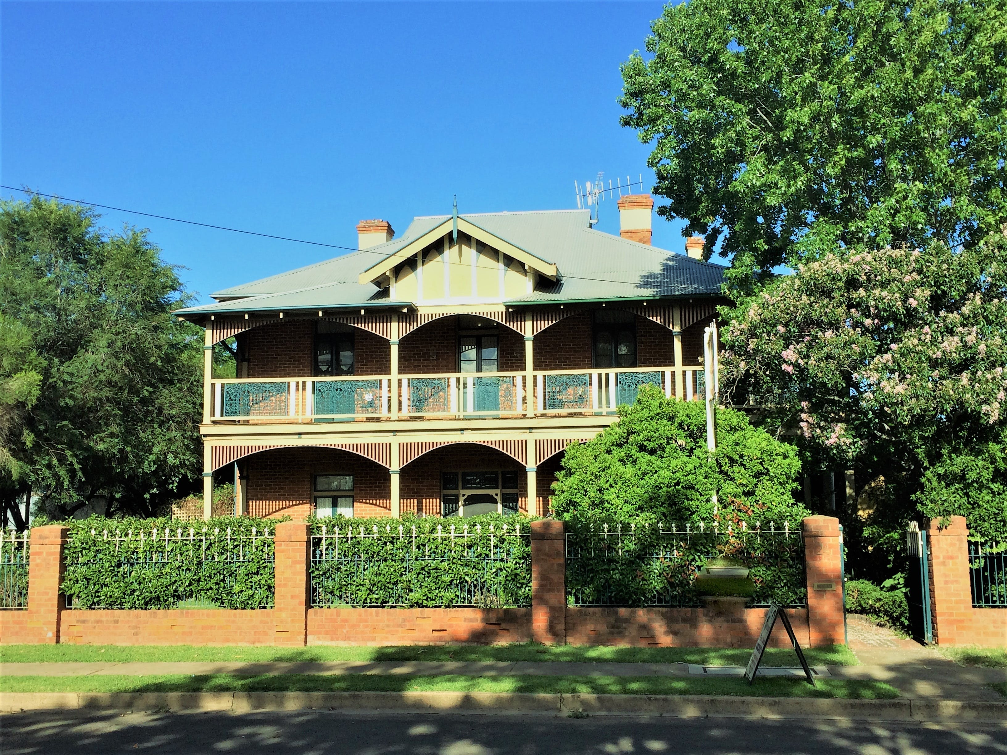The Abbey Bed and Breakfast - Carnarvon Accommodation