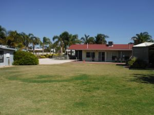 The Palms - Carnarvon Accommodation