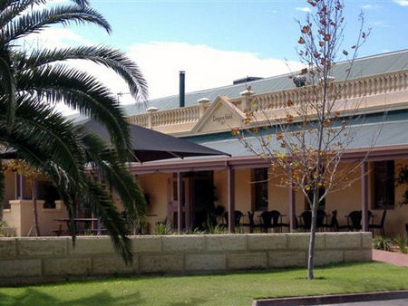 Dongara Hotel Motel - Carnarvon Accommodation
