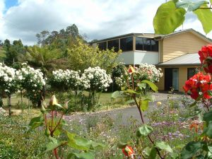 North East Restawhile Bed and Breakfast - Carnarvon Accommodation
