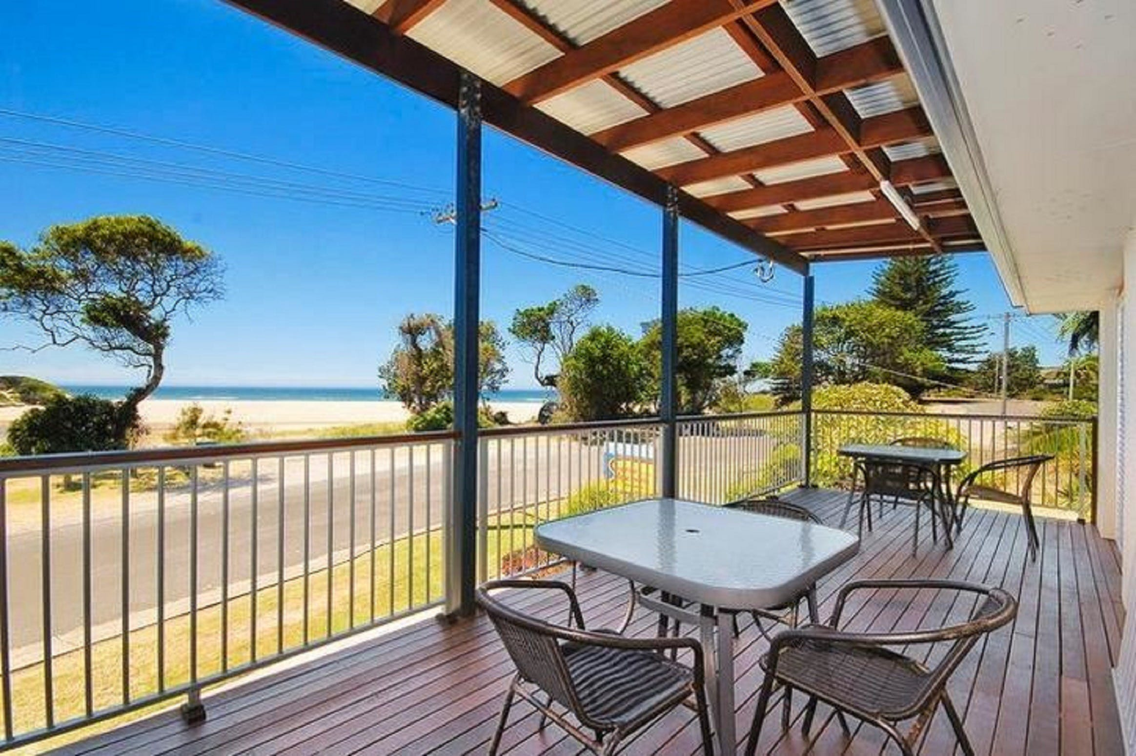 Seascape Holiday Apartments Lake Cathie - Carnarvon Accommodation