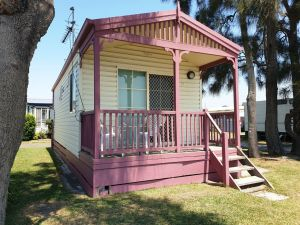 Jettys by the Lake - Carnarvon Accommodation
