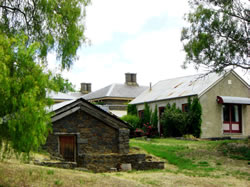 Lochinver Farm - Carnarvon Accommodation