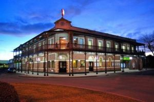 Grand Terminus Hotel - Carnarvon Accommodation