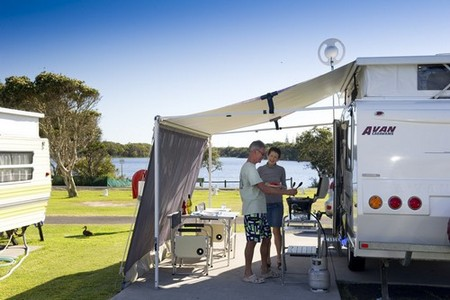Lake Ainsworth Holiday Park - Carnarvon Accommodation