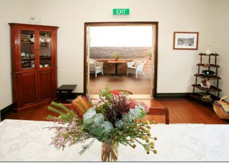 The Bank Guest House & Tellers Restaurant - Carnarvon Accommodation