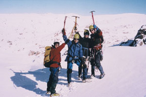 High and Wild Mountain Adventures - Carnarvon Accommodation