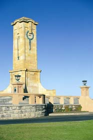 Fremantle War Memorial - Carnarvon Accommodation