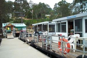 Clyde River Houseboats - Carnarvon Accommodation