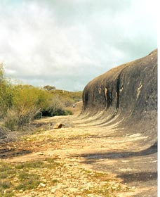 Totadgin Dam Reserve - Carnarvon Accommodation