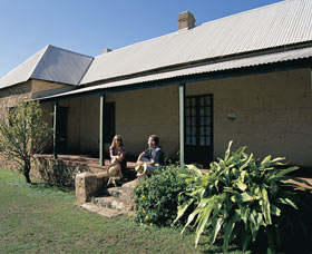 Cliff Grange - Carnarvon Accommodation