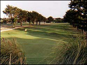 South Lakes Golf Club - Carnarvon Accommodation