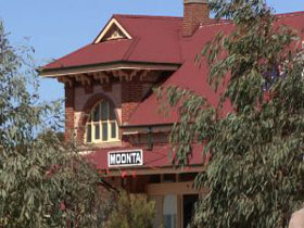 Moonta Tourist Office - Carnarvon Accommodation