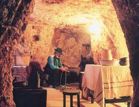 Umoona Opal Mine And Museum - Carnarvon Accommodation