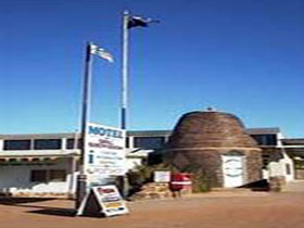 Andamooka Dukes Bottlehouse Museum - Carnarvon Accommodation
