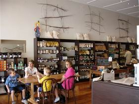 Blond Coffee and Store - Carnarvon Accommodation