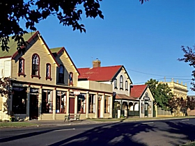 Latrobe Market - Carnarvon Accommodation